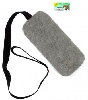 GoSi Игрушка для собак Шуршик, искуственный мех серый с ручкой, этикетка флажок